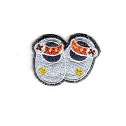 Patch Ecusson Thermocollant Chaussons de BEBE Coloris Gris 3 x 4 cm