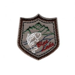 Patch Ecusson Thermocollant Blason Blue Lake Coloris au choix pêche fish montagne 5 x 5,50 cm
