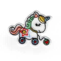Patch Ecusson Thermocollant Cheval jouet bébé sur lin 4,50 x 6 cm